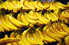 220px-Bananas / photo from http://en.wikipedia.org