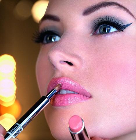 Face-Makeup / photo from http://www.makeupbuffet.net/