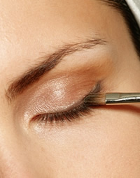 liquid-eyeliner / photo from http://www.beauty-advices.com