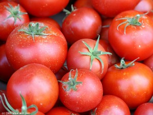 tomatoes-/ photo from http://medtips.in
