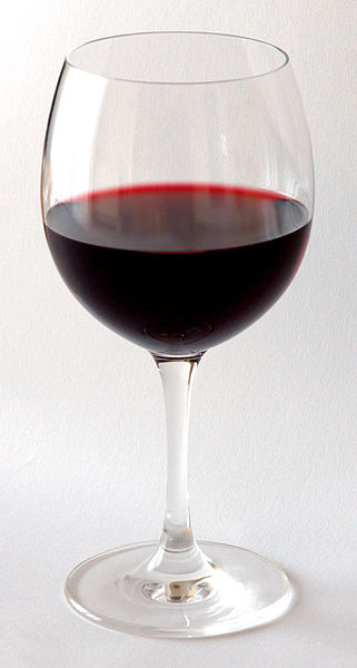 Red_Wine_Glass / photo from http://en.wikipedia.org