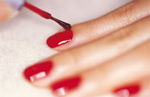 strong-and-healthy-nails- / photo from http://www.womengirlsfashion.com