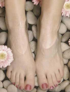 feet-soaking-spa / photo from http://familydoctormag.com