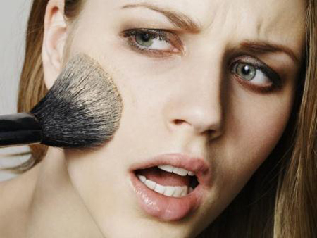 makeup-mistakes / photo from http://www.ourvanity.com