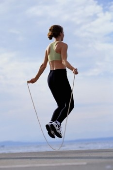 woman-skipping-exercise / photo from http://www.mydaily.co.uk