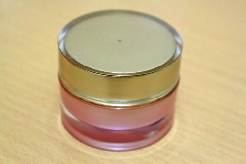 Pot Kanebo 15 Gram Gold Pink