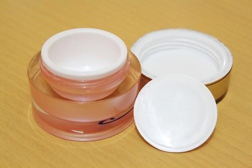Pot Kanebo 15 Gram Gold Pink Bagian Dalam