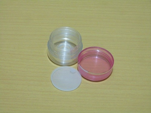 Pot Cream 15 Gram Pink Transparan Bagian Dalam