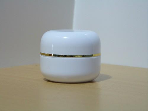 Pot Cream 12,5 Gram Oval Putih List Gold