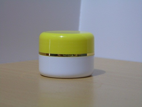 Pot Cream 12,5 Gram Kuning Putih List Gold